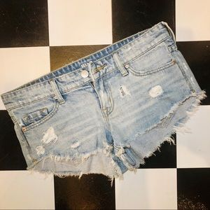 BDG Low Rise Light Wash Denim Dolphin Shorts 26W